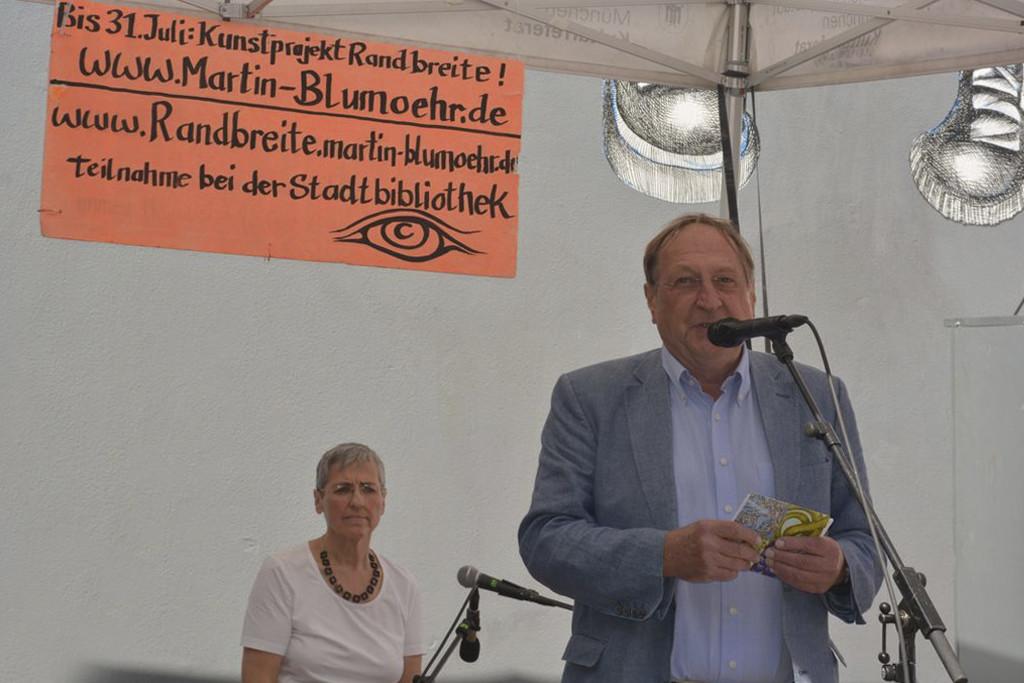 Klaus-Herber-Vorsitzender-vom-Kulturforum-West-während-seiner-Rede